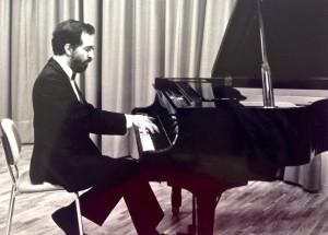 Una curiosa historia: el piano - Fernando Palacios